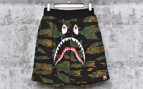 Bape经典虎纹迷彩短裤 最强鲨鱼 国内代工同源工厂